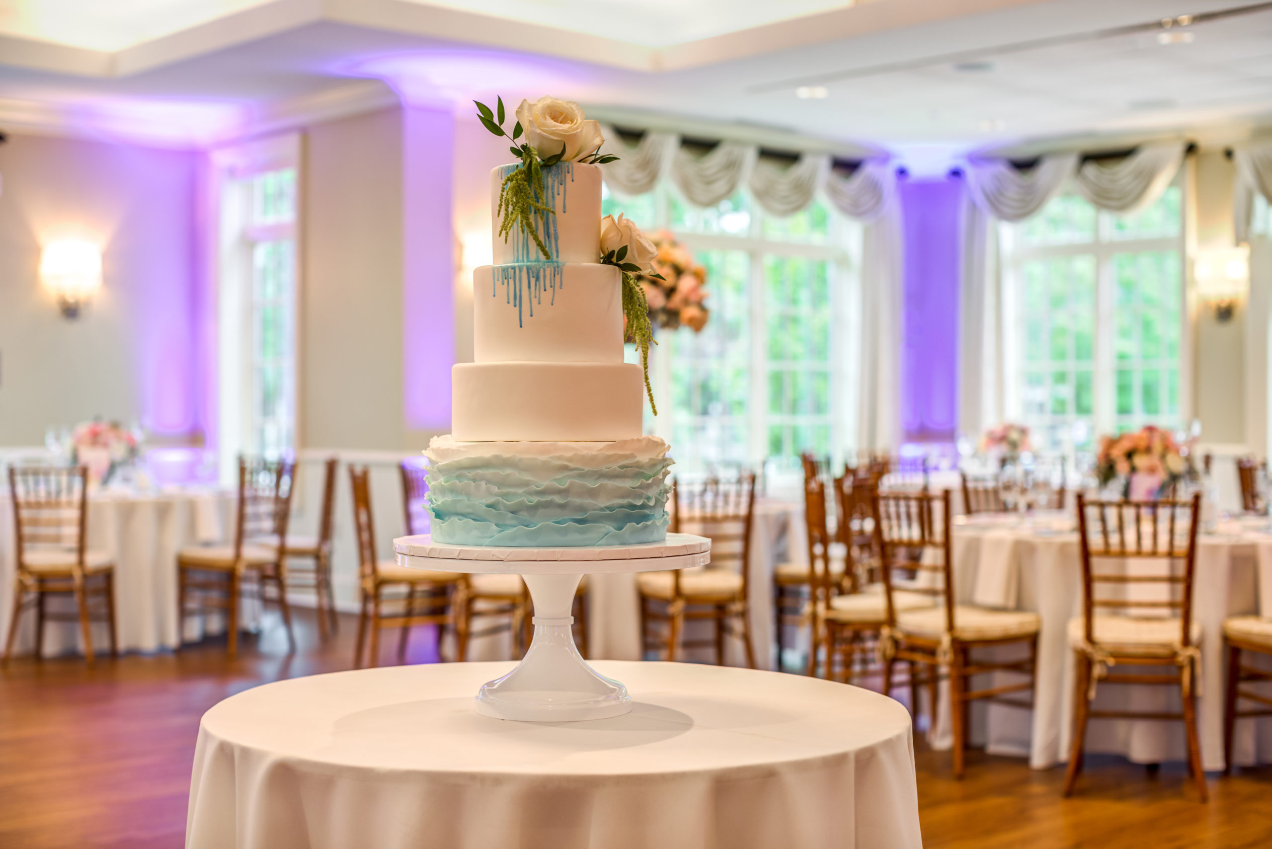 elegant-wedding-cake-glidden-house-receptions